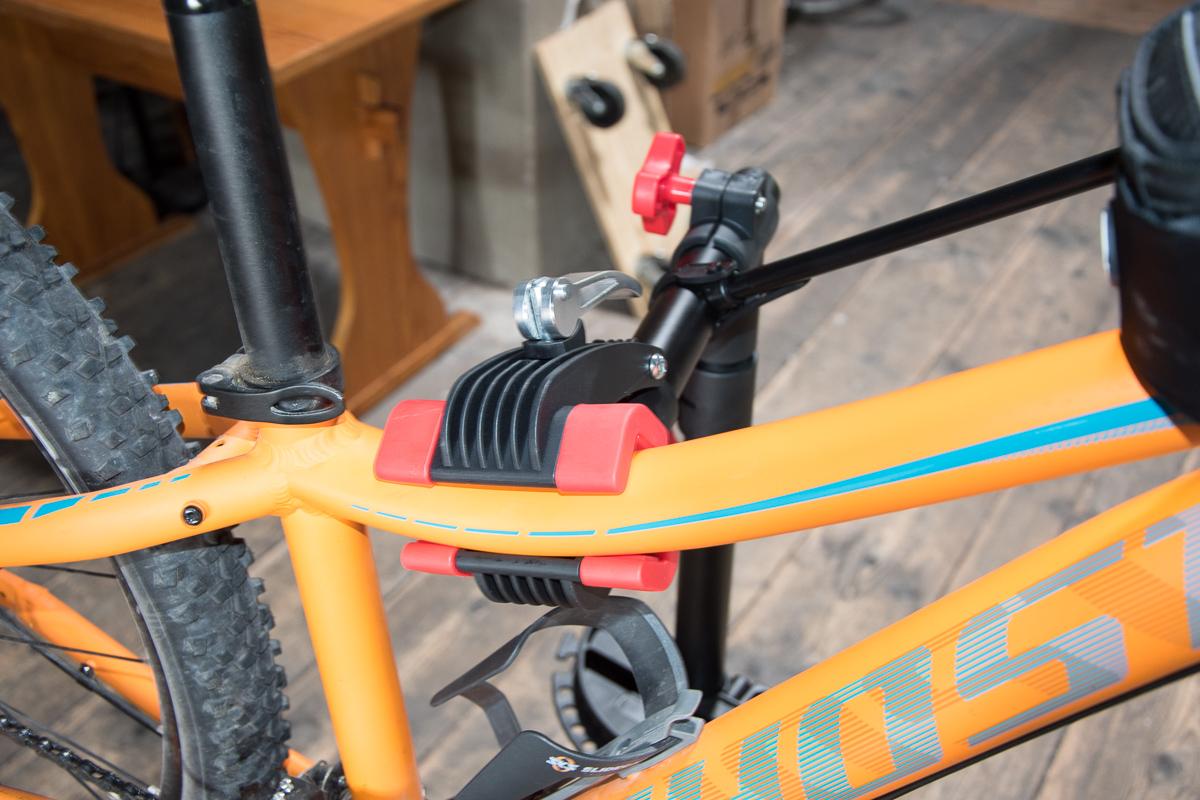 relaxdays fahrrad montagest nder erfahrungen stabil und gut. Black Bedroom Furniture Sets. Home Design Ideas